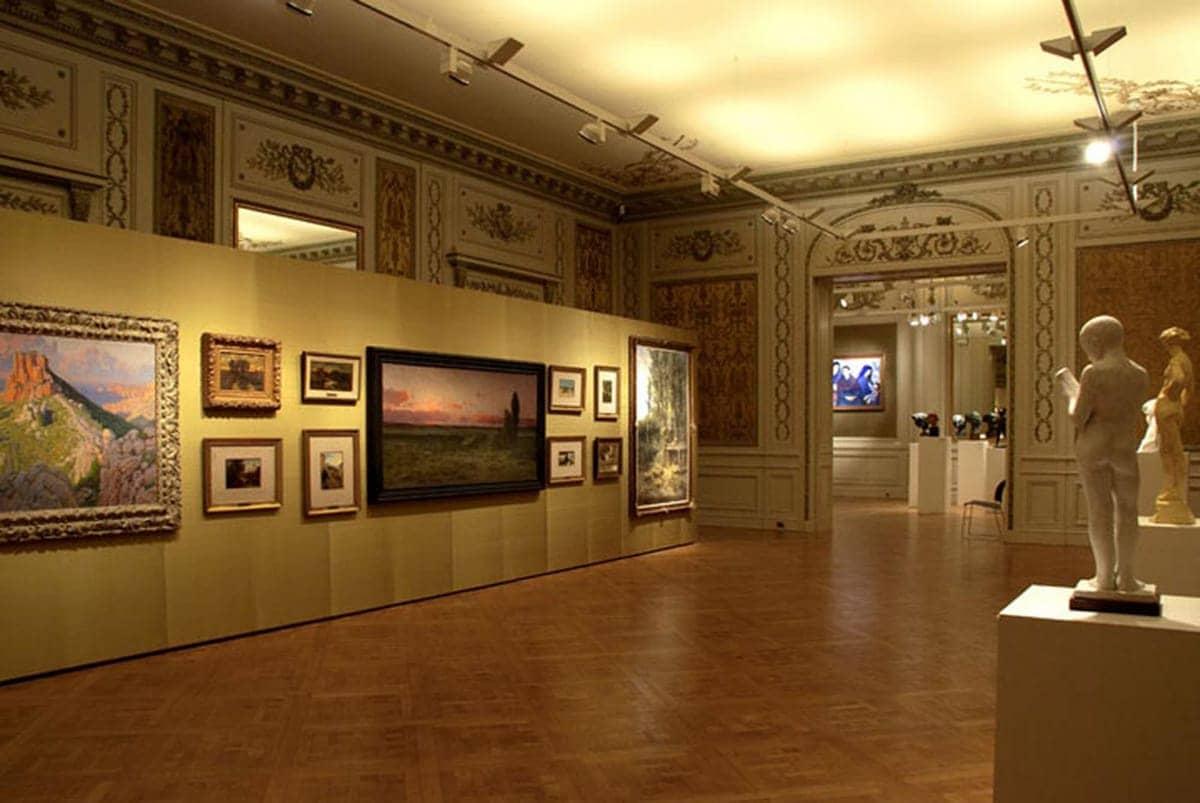 Conhecer o Paseo El Buen Pastor e Museu Evita de Bellas Artes em Córdoba