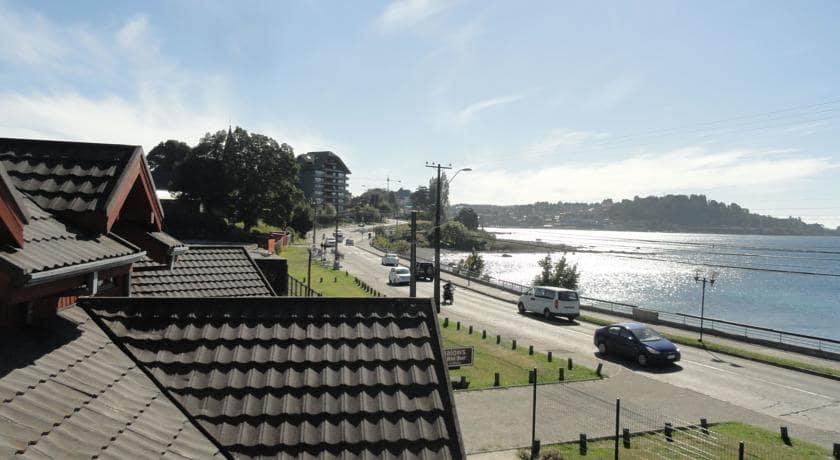 Caminhar na Cost Vicente Pérez Rosales e ver o Monumento Heroes Patrios em Puerto Varas
