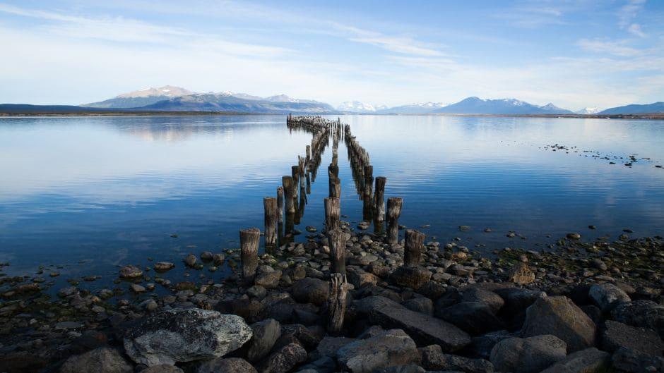 Conhecer o Muelle Historico e Estátua de la Mano em Puerto Natales