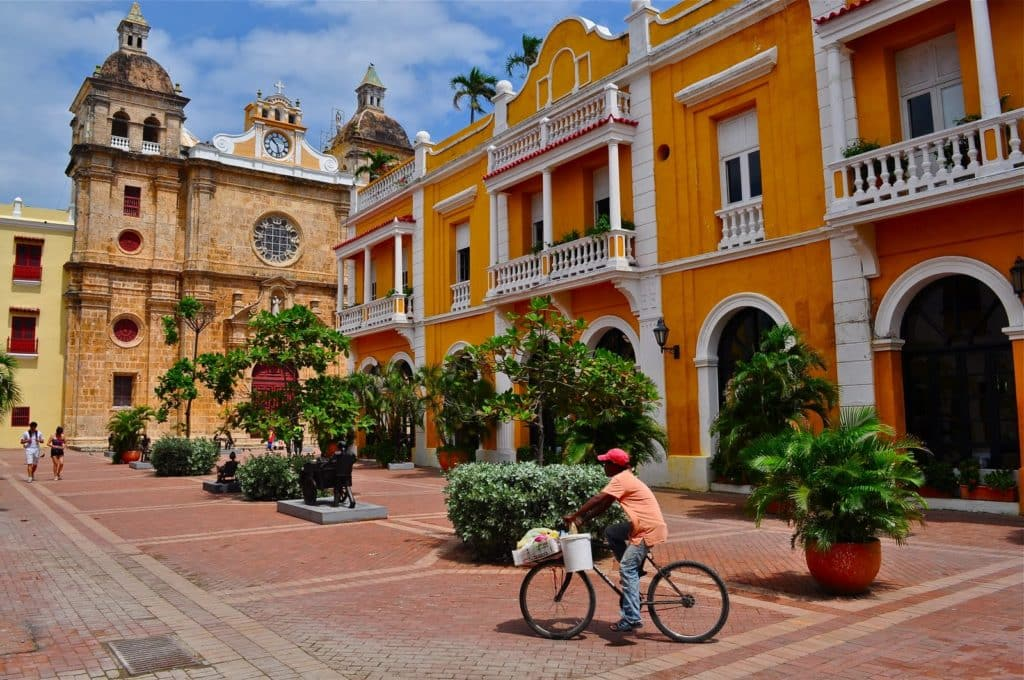 O Que Fazer Em Cartagena das Índias: Visitar a Igreja e Faculdade de Santo Domingo em Cartagena das Índias