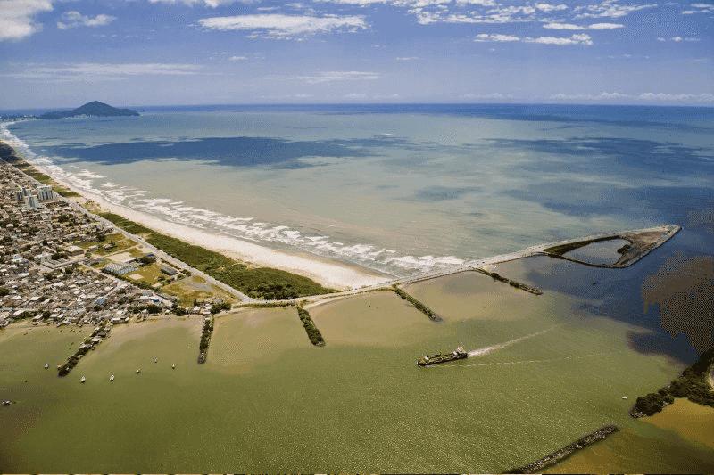 O que fazer em Navegantes: Praia do Pontal ou dos Molhes