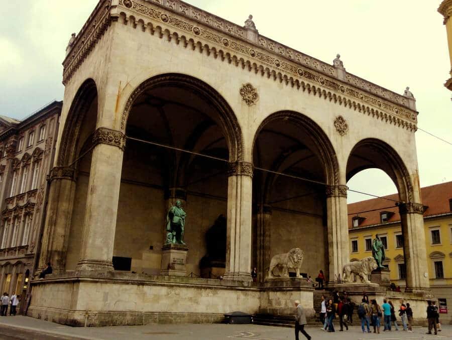 O que fazer em Munique: Praça Odeonsplatz