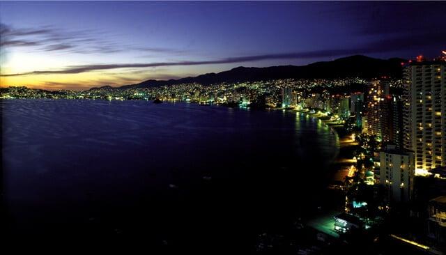 O Que Fazer a noite em Acapulco no México