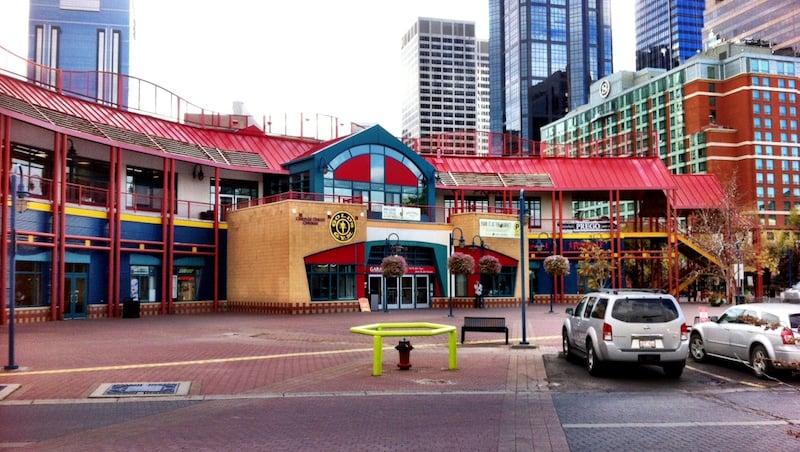 O Que Fazer em Calgary no Canadá: Eau Claire Market