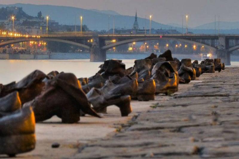 O que fazer em Budapeste: Sapatos de Bronze