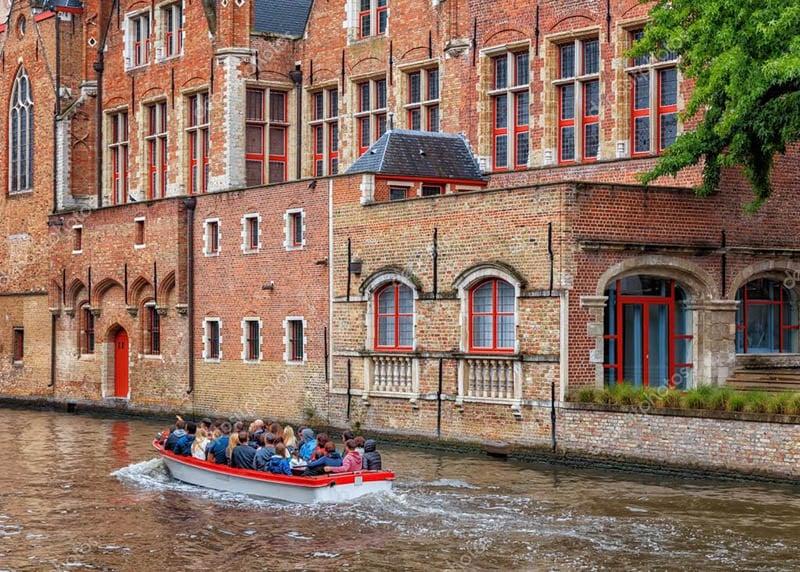 O que fazer em Burges: Passeio de Barco