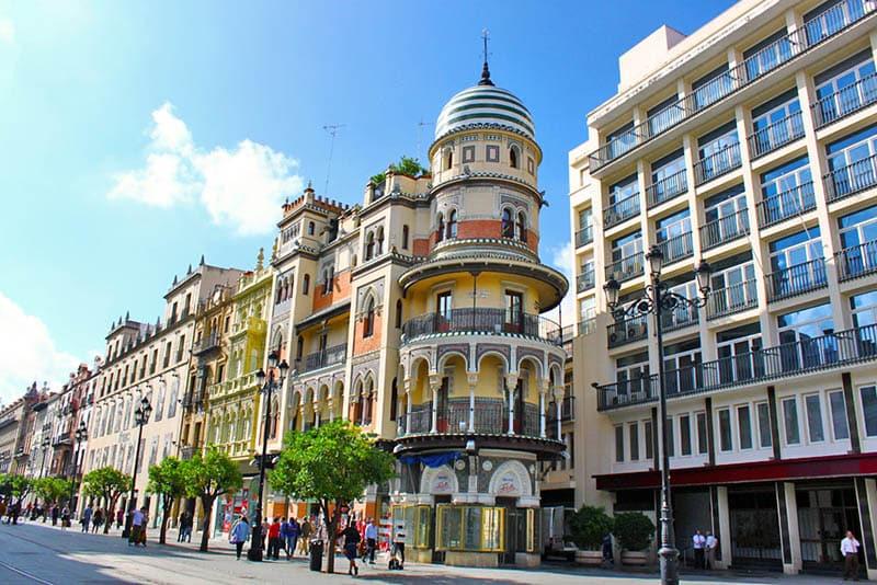 O que fazer em Sevilha: Avenida de la constitucion