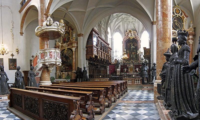 O que fazer em Innsbruck: Hofkirche