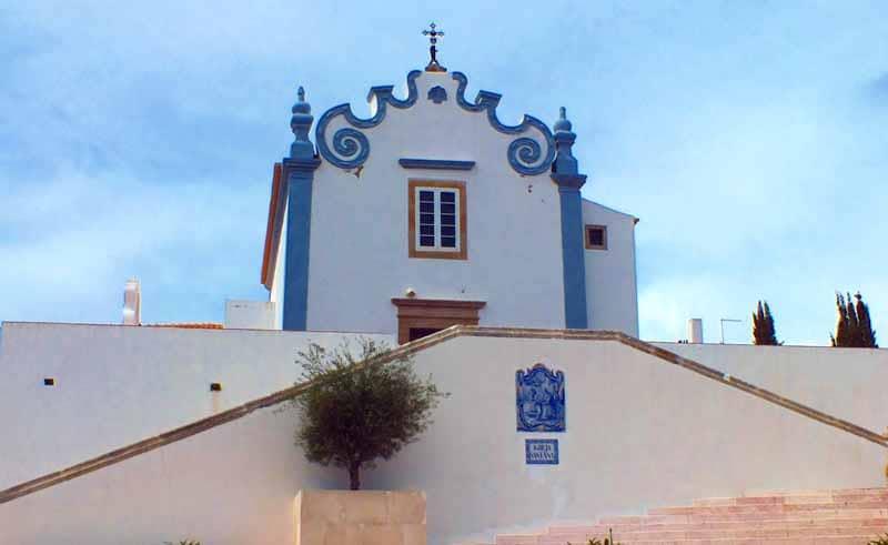 O que fazer em Albuferia: Igreja Santana