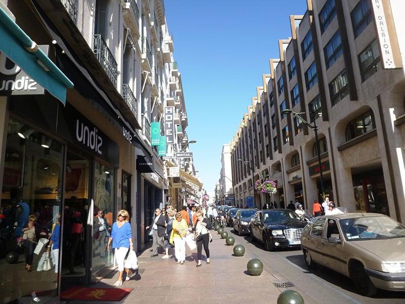 O que fazer em Cannes: Rue d'Antibes