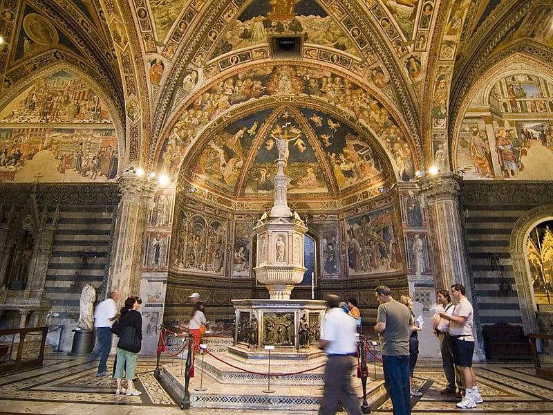 O que fazer em Siena: Batistério
