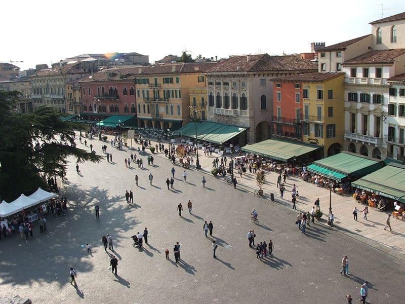 O que fazer em Verona: Piazza Bra
