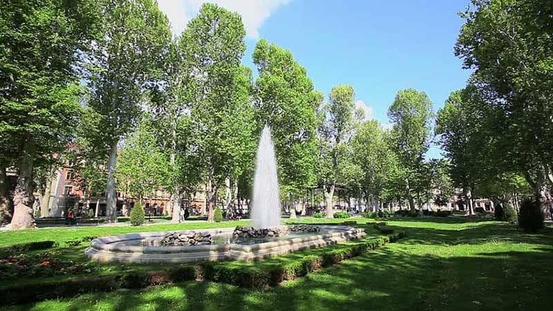 O que fazer em Zagreb: Parque Zrinjevac