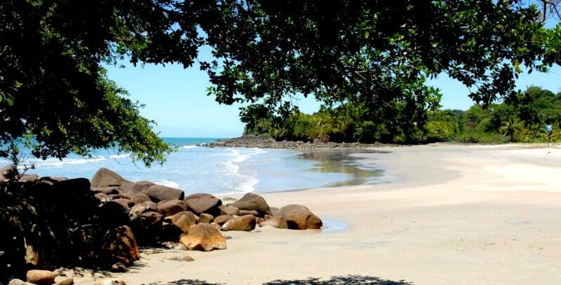 O Que Fazer em Camburi: Praias vizinhas