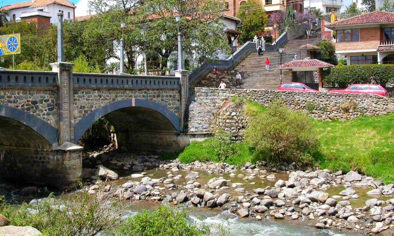 O Que Fazer em Cuenca: rio Tomebamba